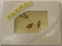 Daisy Resin Guest Book - White or Yellow